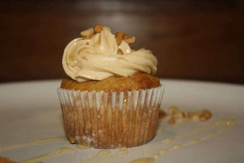 Banana Cupcakes with Peanut Butter & Honey Frosting ...