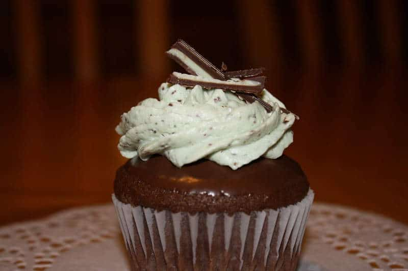 Mint Chocolate Chip Cupcakes (Recipe Source: Bakers Royale )