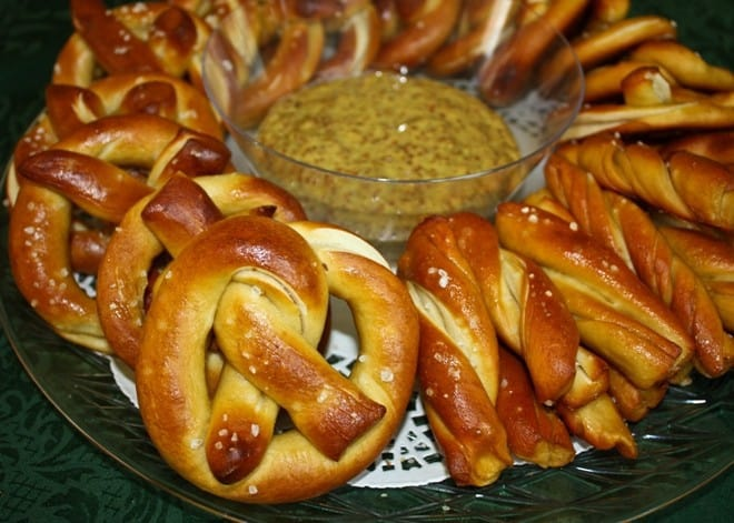 German-style Salted Pretzels with Spicy Beer Mustard | The JavaCupcake Blog https://javacupcake.com