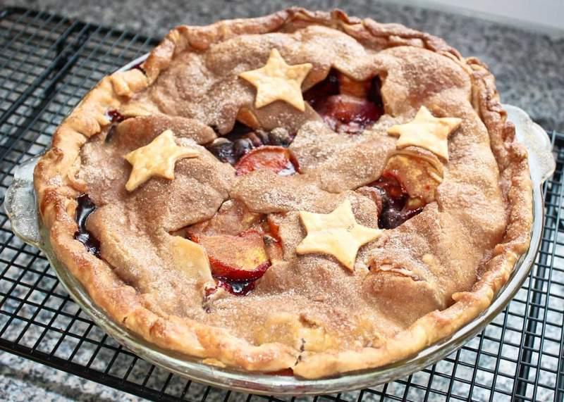 Peach Blueberry Pie-2