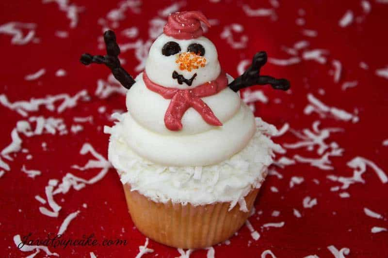 Snowman Cupcakes with recipe & tutorial | JavaCupcake.com
