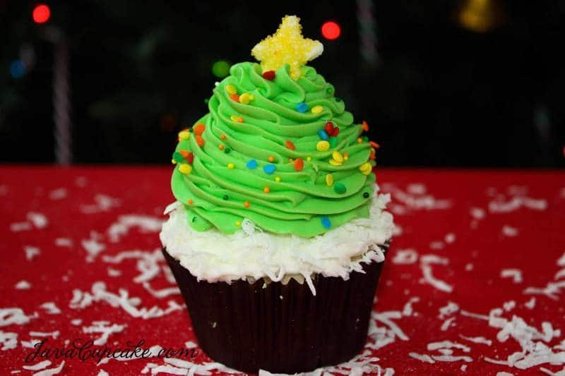 How To Decorate A Christmas Tree Cake