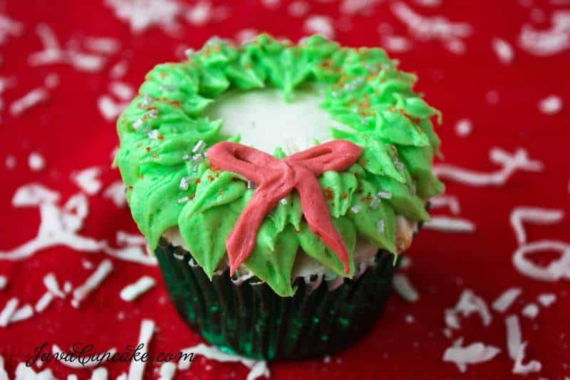 Holiday Wreath Cupcakes with recipe & tutorial | JavaCupcake.com