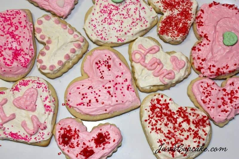 Frosted Sugar Cookies for Valentines Day | JavaCupcake.com