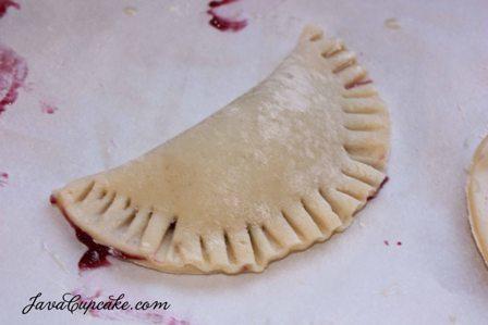Berry BlogHop: Chocolate Dipped Berry Empanadas | JavaCupcake.com