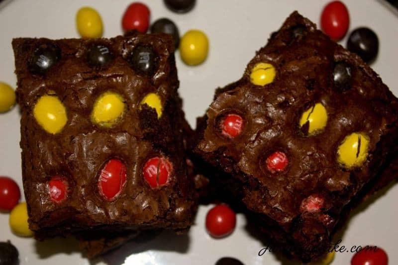 Peanut M&M Brownies | JavaCupcake.com