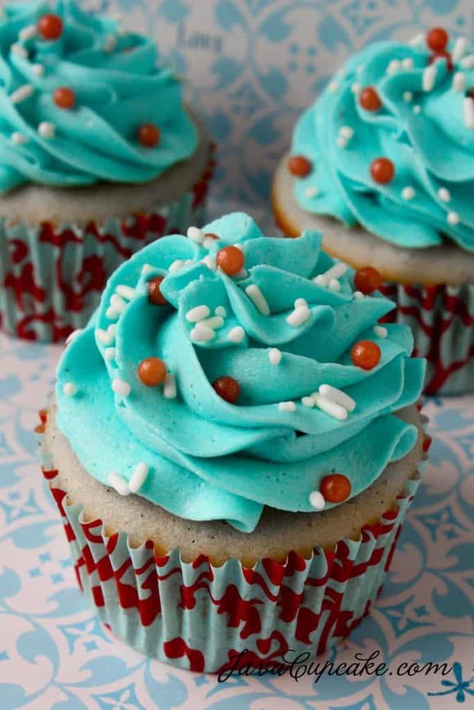 Perfect Vanilla Cupcakes    JavaCupcake.com