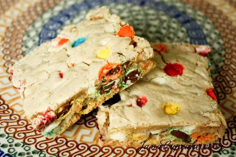 White Chocolate Chip and M&M Cookie Bars