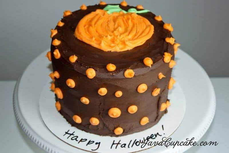 Happy Halloween! {Ghost & Pumpkin Cakes} | JavaCupcake.com