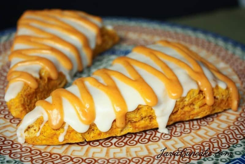 Pumpkin Scones with Pumpkin Maple Glaze | JavaCupcake.com