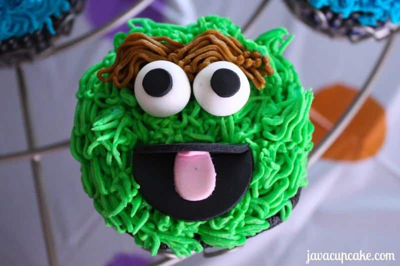 Tutorial for Oscar the Grouch cupcakes by JavaCupcake.com