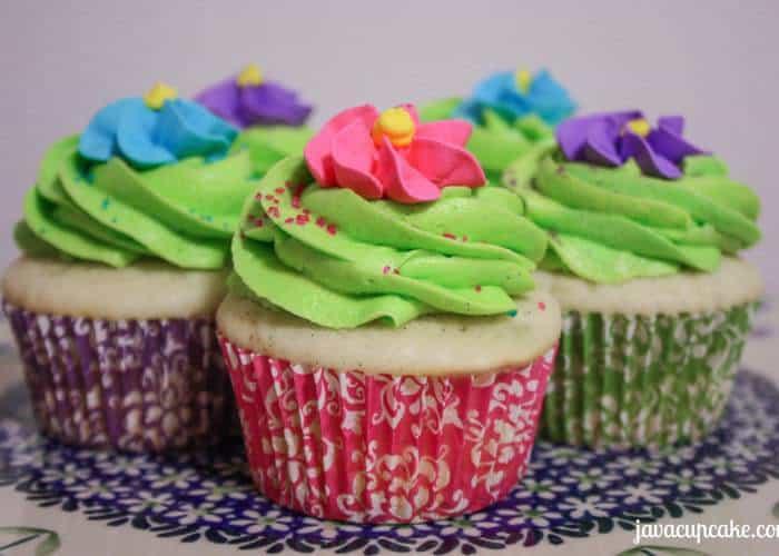 {Tutorial} Spring Cupcakes