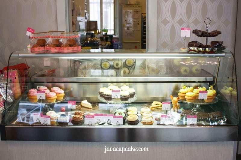 Cupcake display at Cupcake Berlin