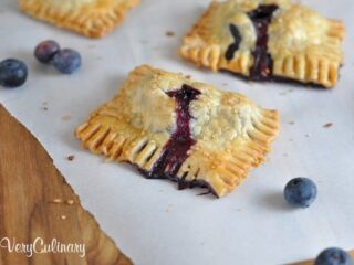 Blueberry Coconut Mini Hand Pies | Very Culinary