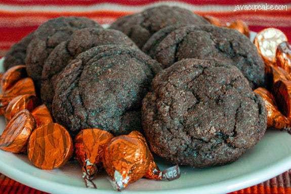 Pumpkin Chocolate Snickerdoodles {Surprise Inside!}   JavaCupcake.com