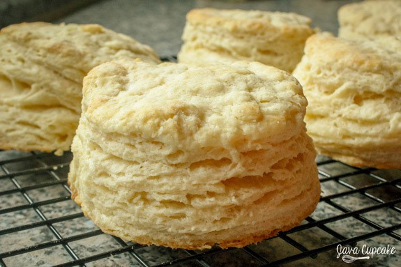 These Buttermilk Biscuits made with farm fresh butter & buttermilk and ...