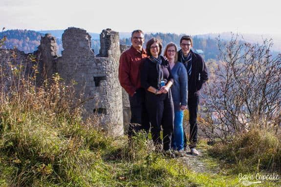 The Richards & The Eves @ Flossenburg Castle Ruins | JavaCupcake.com