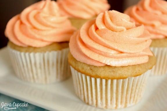 Peaches n Cream Cupcakes | JavaCupcake.com