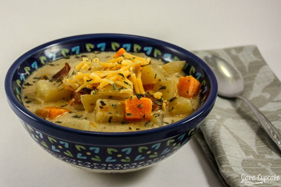 Chunky Potato Soup with Sweet Potatoes & Bacon | JavaCupcake.com