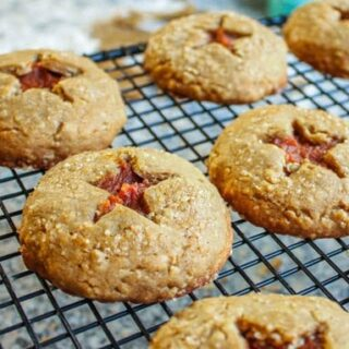 Roll and Cut Oatmeal Cookies with Pumpkin Filling