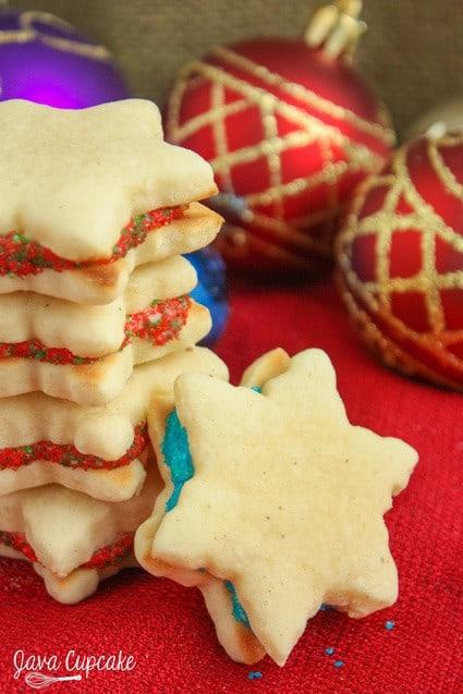 Eggnog Cookies - Eggnog flavored cutout cookies filled with an eggnog frosting | JavaCupcake.com