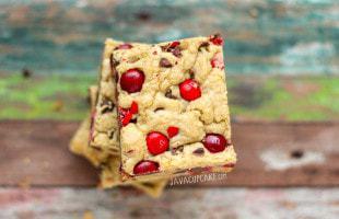 Cherry M&M Cookie Bars