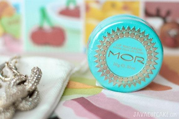 Mini Mocha Macarons & a Giveaway | JavaCupcake.com