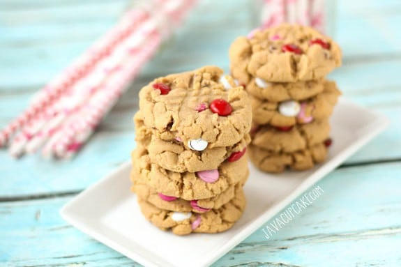 Soft-Batch Peanut Butter Valentine M&M Cookies | JavaCupcake.com