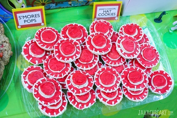 Toy Story Party: Jessie's Hat Cookies | JavaCupcake.com