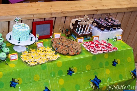 Toy Story Party:  Sherriff Woody's Star Cookies & Jessie's Hat Cookies