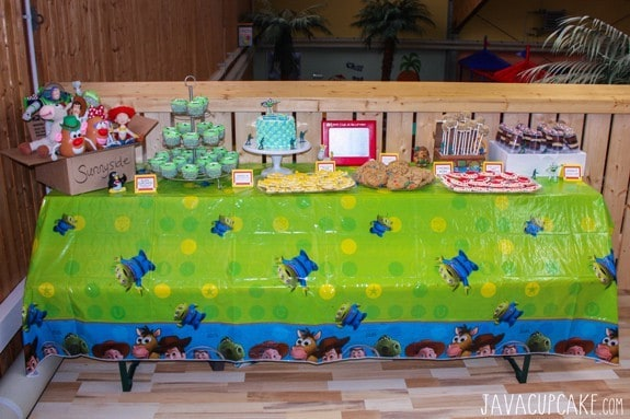 Toy Story Party DIY Dessert Table | JavaCupcake.com