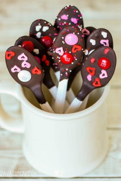 Valentine Chocolate Dipped Spoons | JavaCupcake.com