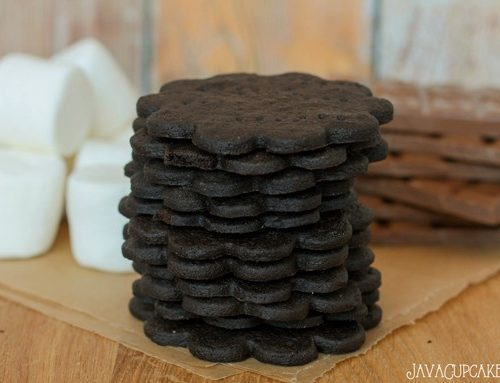 Homemade Chocolate Graham Crackers - Perfect for s'mores! | JavaCupcake.com