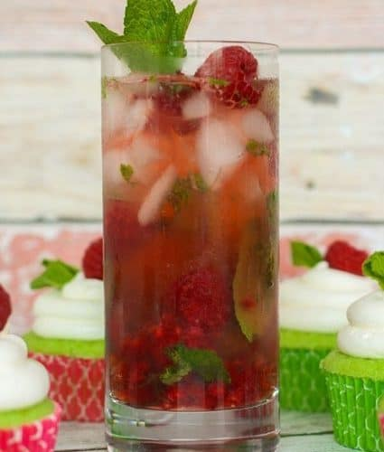 Raspberry Mojitos - Fresh lime, mint, raspberry and rum! | JavaCupcake.com