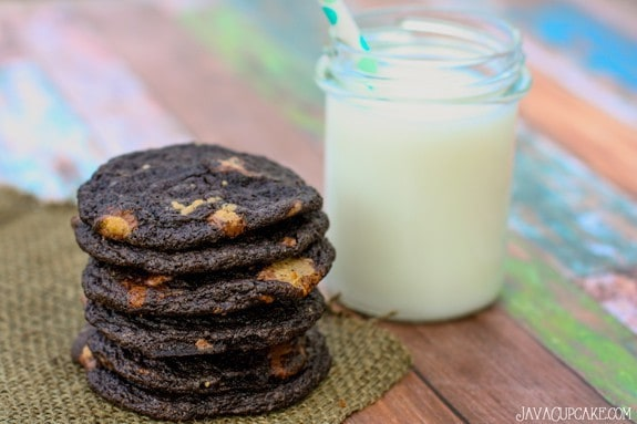 Mini Reese's Chocolate Cookies | JavaCupcake.com