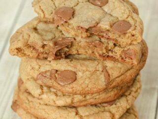 Jumbo Browned Butter Chocolate Chip Cookies Recipe | JavaCupcake.com