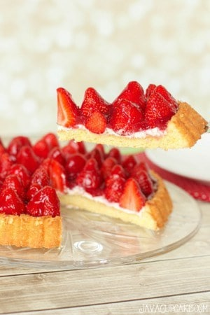 Erdbeerkuchen mit Sahne (Strawberries & Cream Shortcake) | JavaCupcake.com
