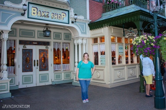 {Review} Cable Car Bake Shop & The Steakhouse - Disneyland Paris | JavaCupcake.com