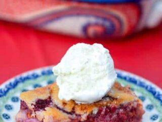 Fresh Raspberry Peach Cobbler - Perfect for summer! | JavaCupcake.com