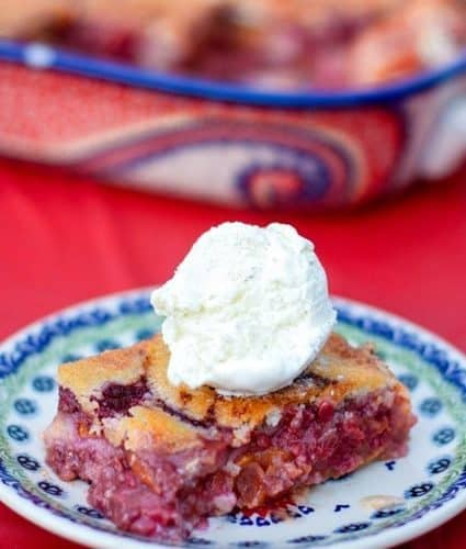 Fresh Raspberry Peach Cobbler - Perfect for summer! | JavaCupcake.com