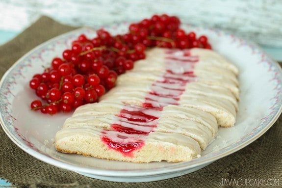 Red Currant Cookie Slices #RedCurrantWeek | JavaCupcake.com