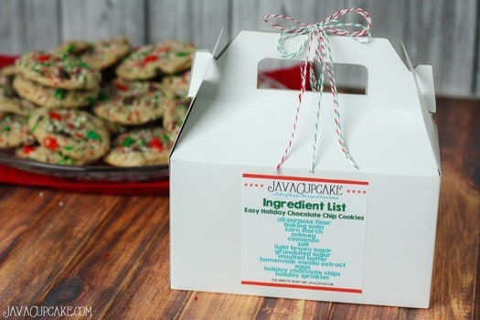 Easy Holiday Chocolate Chip Cookies | JavaCupcake.com