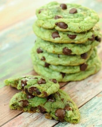 Mint Chocolate Chip Cookies | JavaCupcake.com