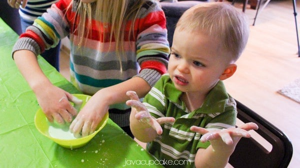 How to Host a Slime Party | JavaCupcake.com #ReadySetSlime