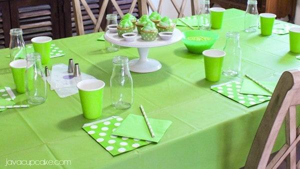 How to Host a Slime Party | JavaCupcake.com #ReadySetSlime