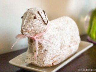 Osterlamm - German Easter Lamb Cake   JavaCupcake.com
