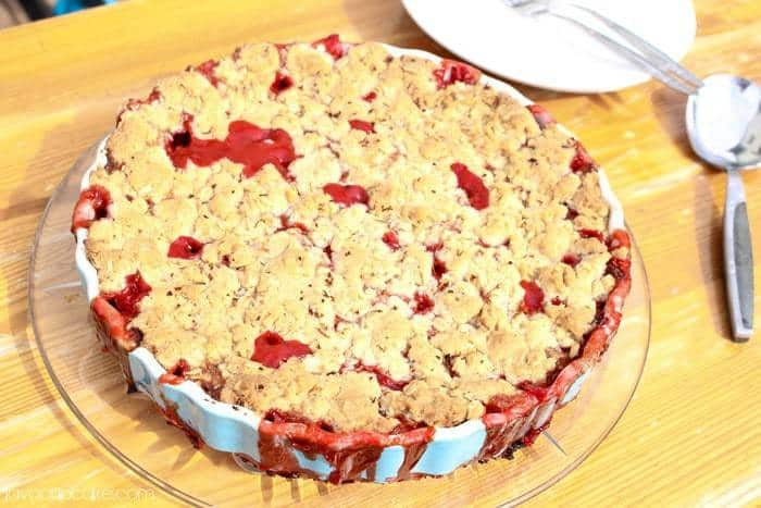 Strawberry Rhubarb Crumble | JavaCupcake.com
