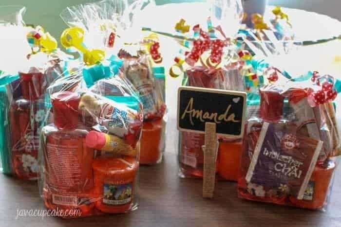How to host a My Favorite Things Party | JavaCupcake.com