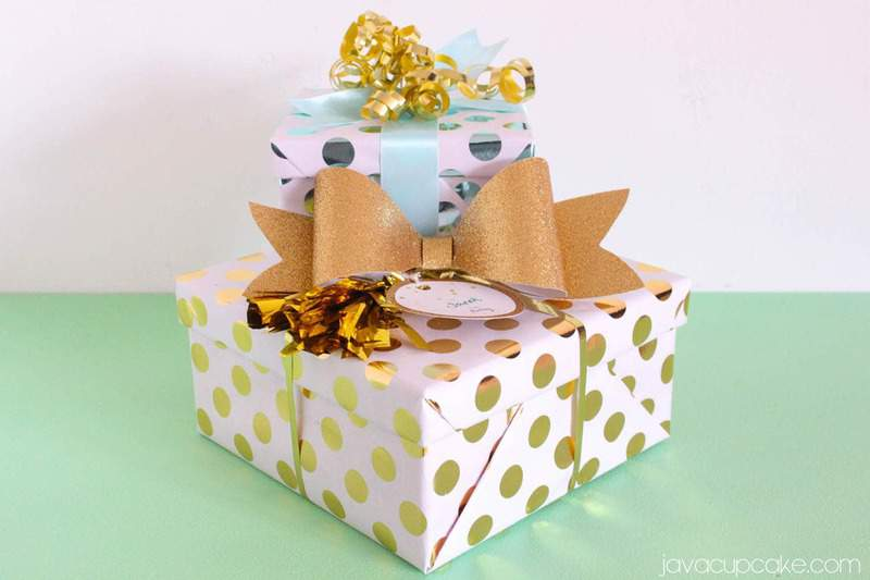 Glitter and Gold Glam Gift Wrapping | JavaCupcake.com