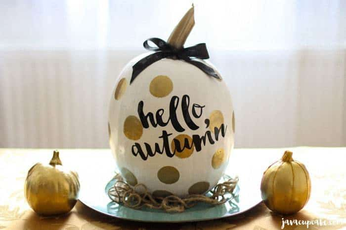 DIY Painted Pumpkins   JavaCupcake.com